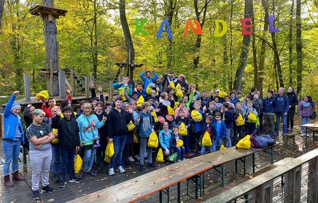 Danke DACHSER: Waldhausgemeinschaft in den Baumwipfeln