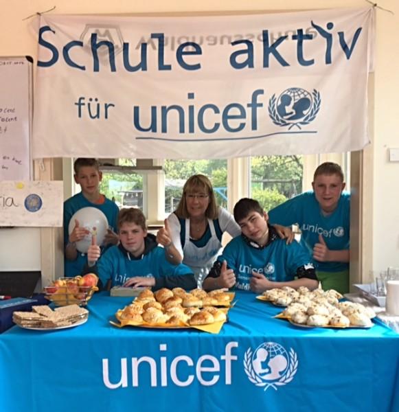 Kiosk im Mai für UNICEF