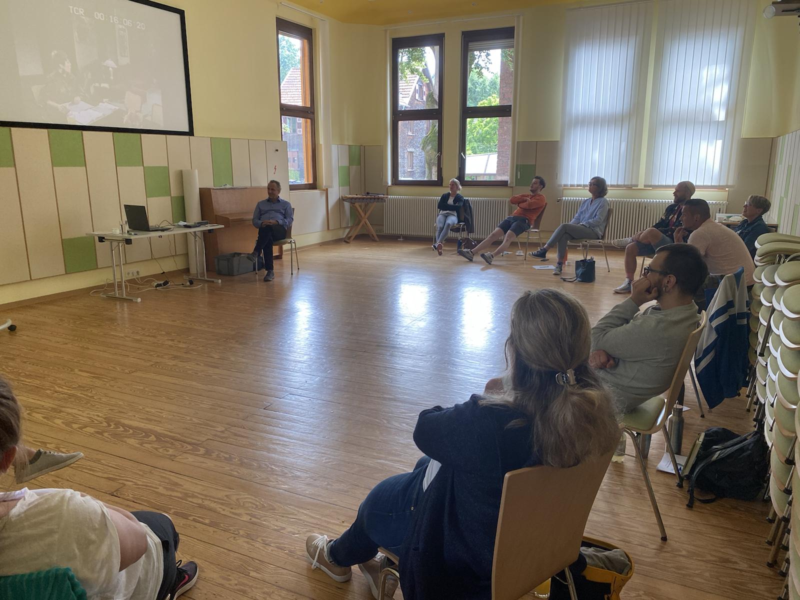 """Fortbildungstag zu """"Grundlagen des systemischen Handelns"""" in der Jugendhilfe Waldhaus"""