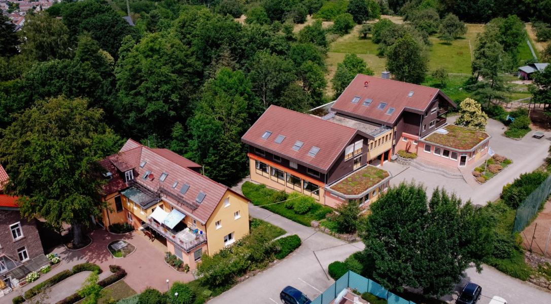 die Waldhausschule von oben